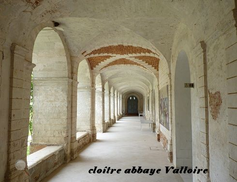 cloître abbaye de Valloire