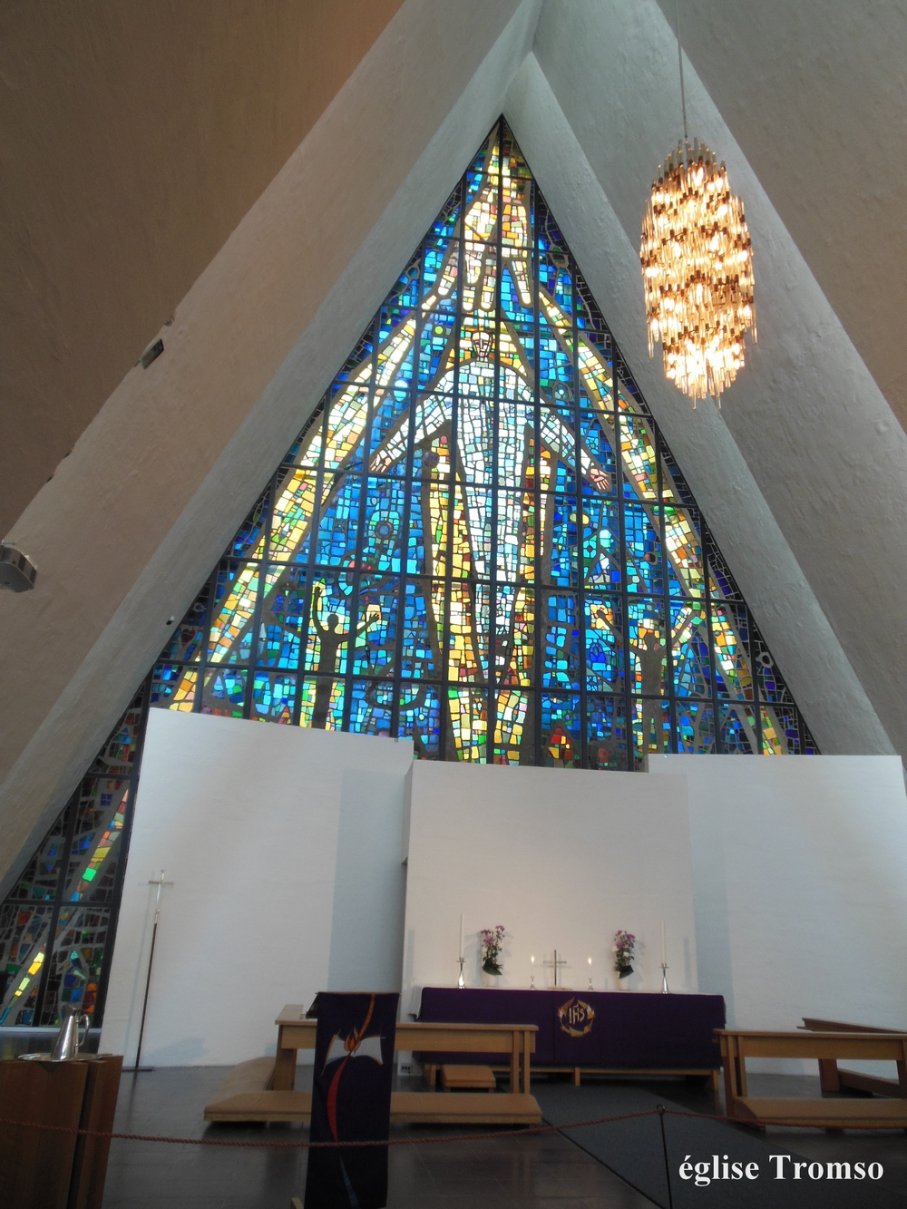 norvege-églisetromso)