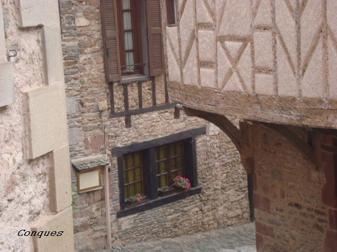 Conques Aveyron (19)