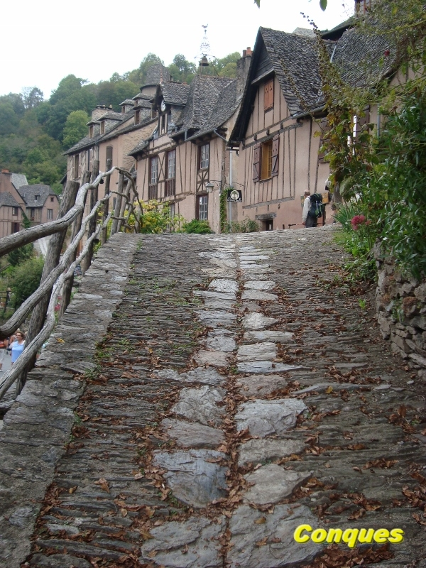 Conques Aveyron (5) (600x800)