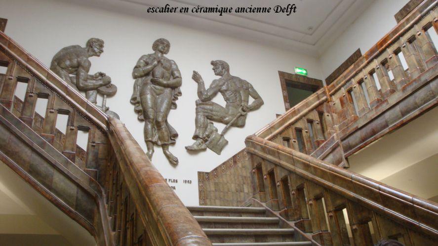 099 escalier ceramique Delft