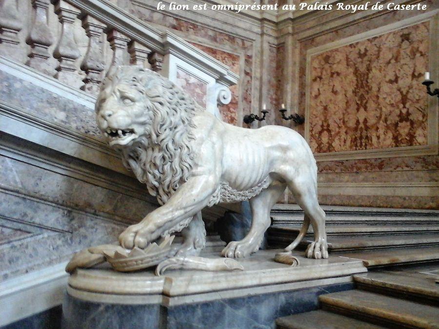 03 lion symbole palais royal Caserte