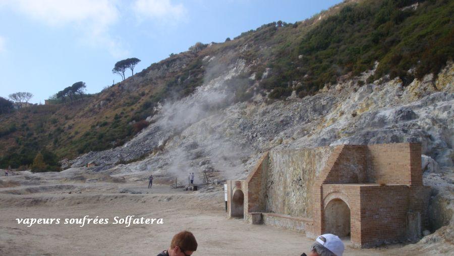 24 Solfatera grotte vapeur soufrée