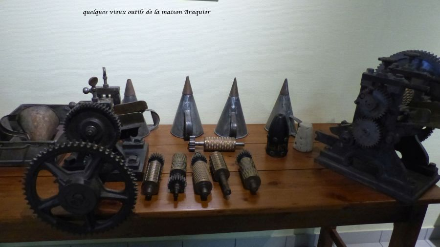 05 P1050331 vieux outils