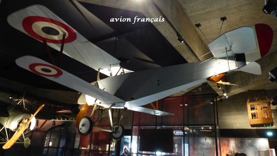 22 P1050488 avion frcais (15)